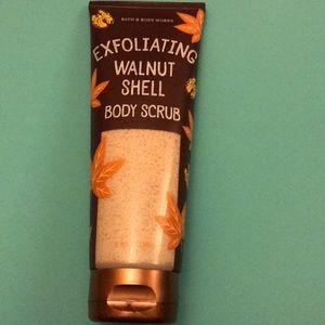 Bath and body works walnut shell body scrub